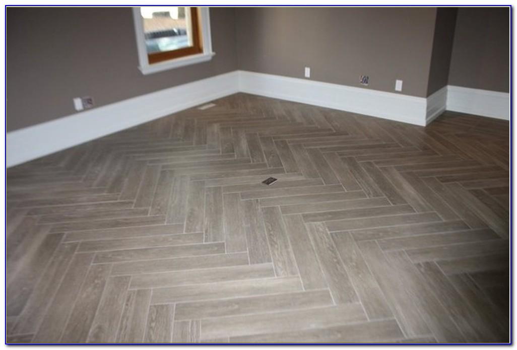 Best vinyl plank flooring for bathroom flooring home for Best vinyl for bathrooms