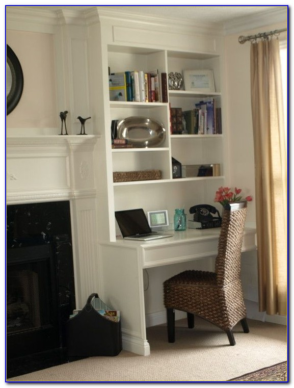 Built In Bookshelves And Desk