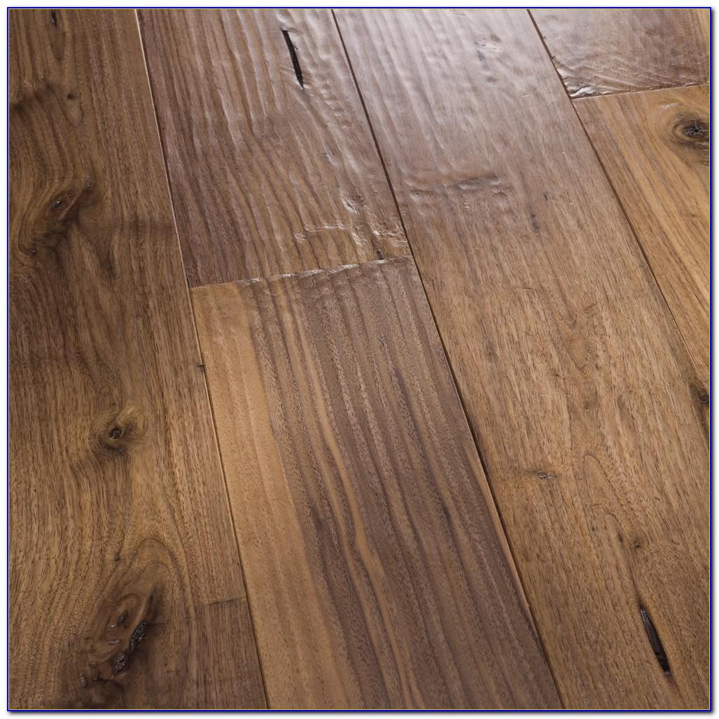 Hand Scraped Hardwood Flooring Vs Smooth Flooring Home
