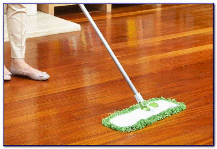 Cleaning Laminate Wood Floors With A Steam Mop