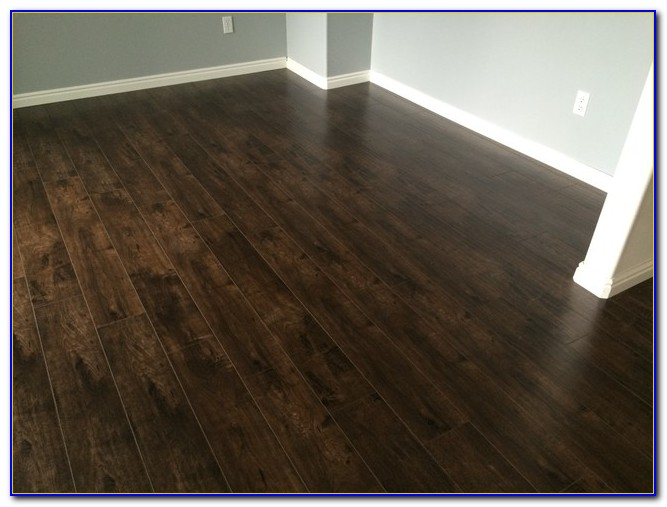 High Quality Walnut Laminate Flooring