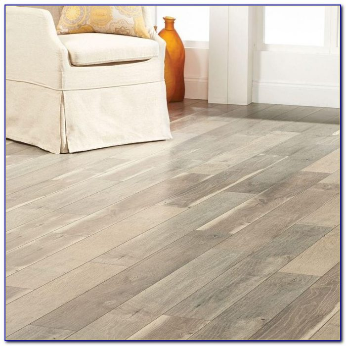 home decorators collection autumn hickory laminate flooring home decorators collection autumn hickory laminate 13625
