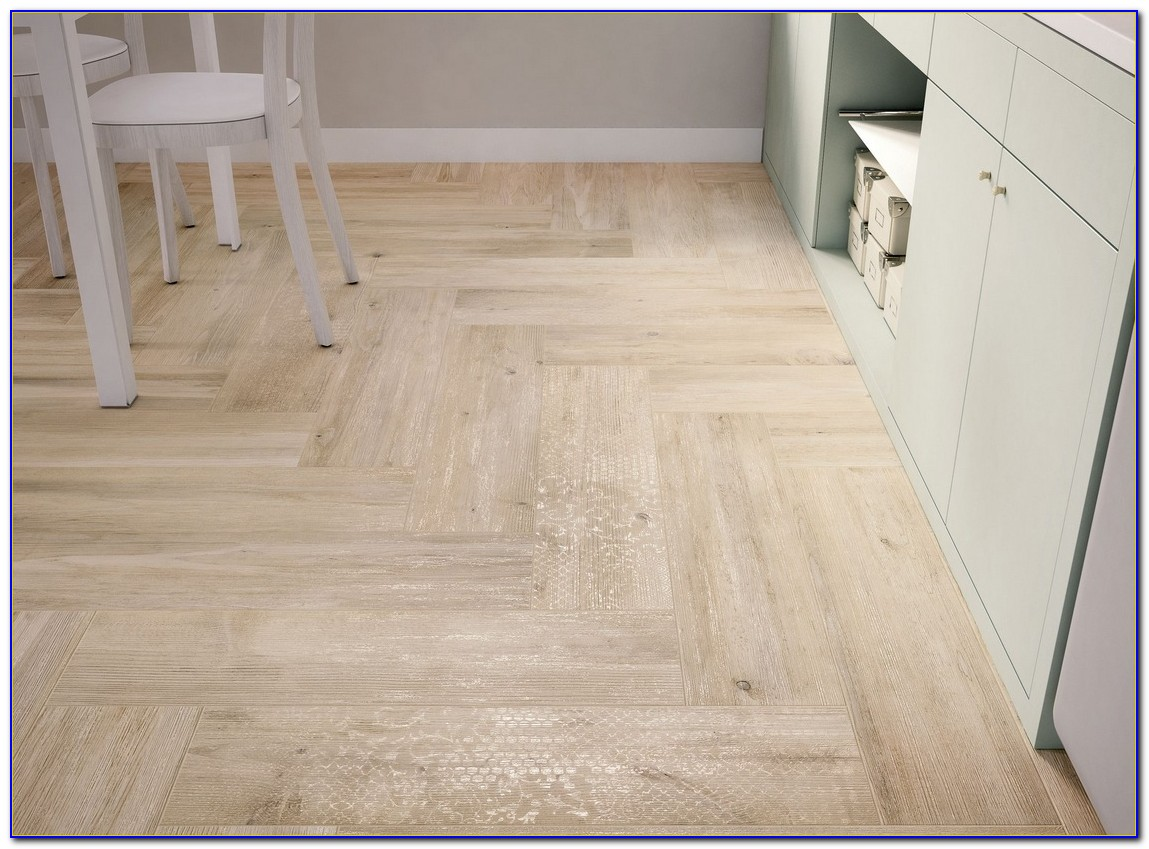 Pictures Of Tile That Looks Like Wood Floor