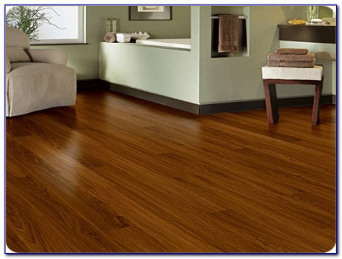 Trafficmaster Glueless Laminate Flooring Benson Oak