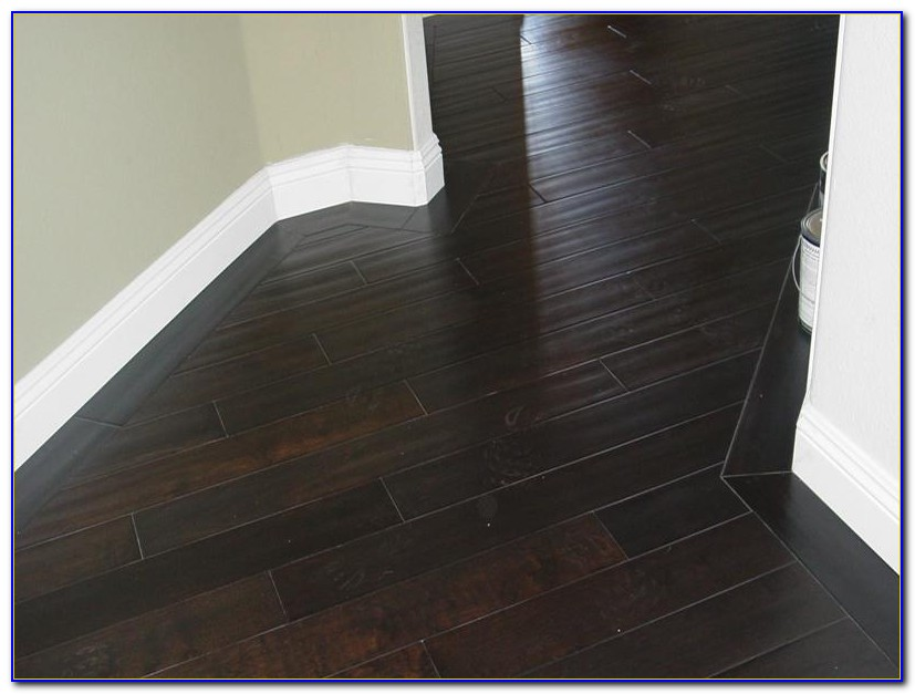 Dark Hardwood Floors In Living Room