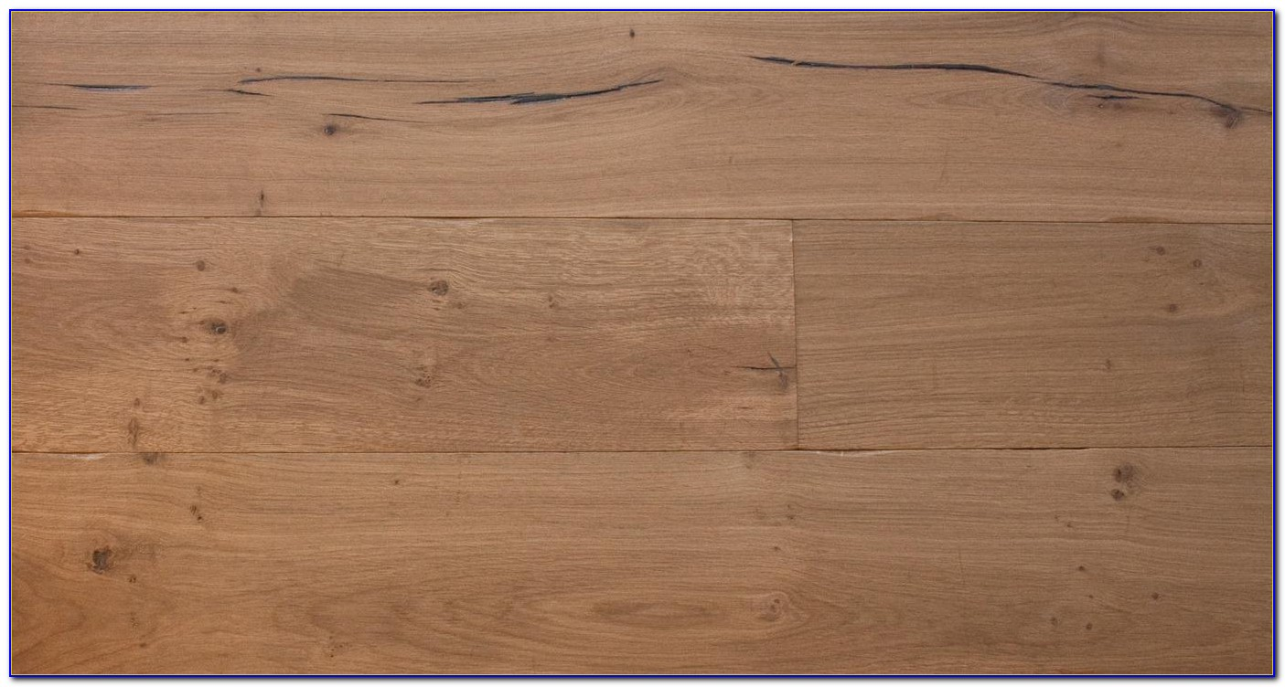 Distressed Antique Golden Engineered Oak Wood Flooring