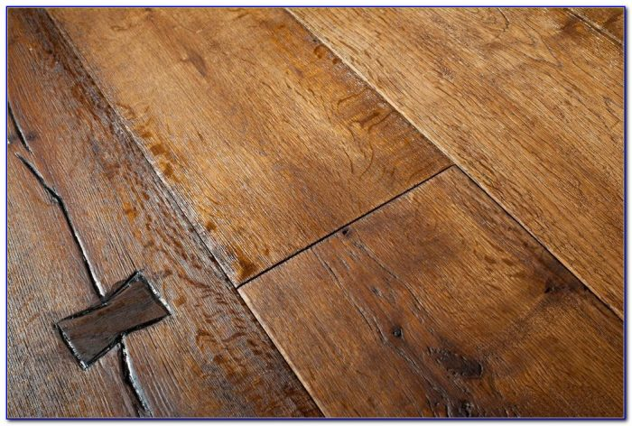 Distressed Oak Engineered Wood Flooring