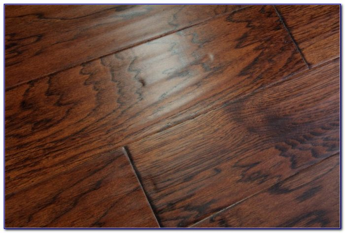 Distressed Vintage Oak Engineered Wood Flooring