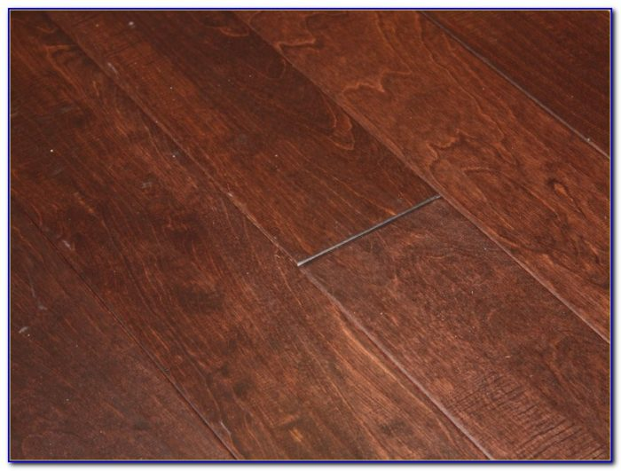 Hickory Hand Scraped Engineered Hardwood Flooring