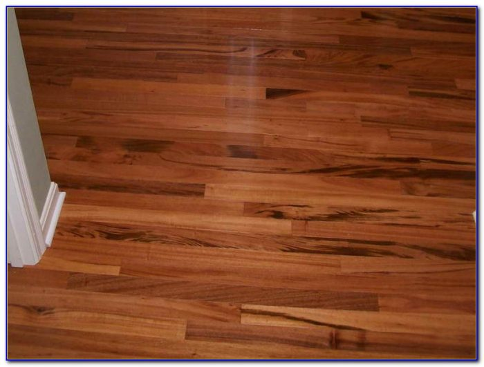 Vinyl Wood Flooring Planks Installation