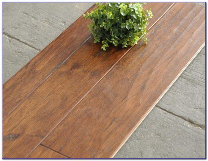 Hickory Hand Scraped Engineered Wood Flooring