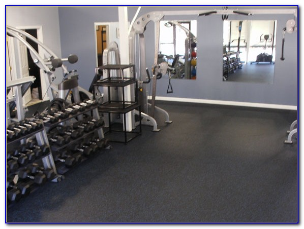 Home gym interlocking rubber flooring