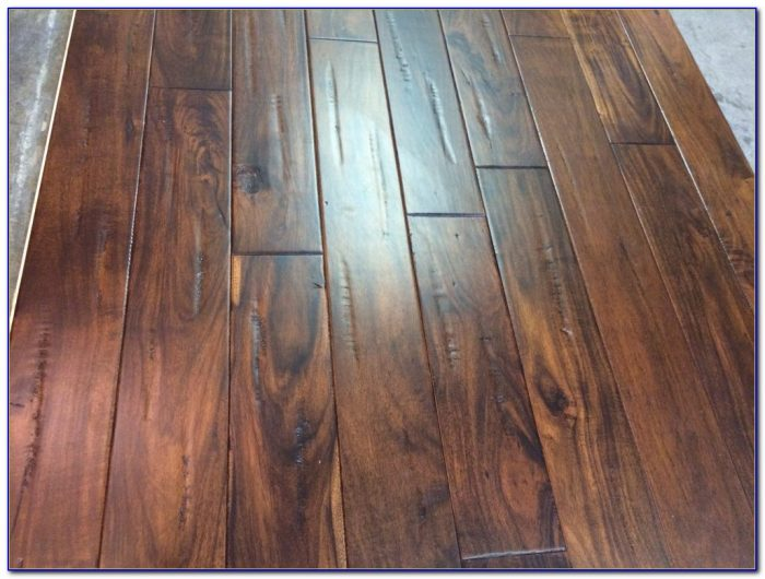 Hand scraped hardwood floors dogs flooring home design for Hardwood floors with dogs