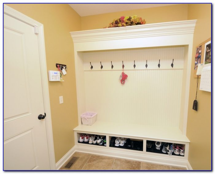Built In Bench Seat Mudroom