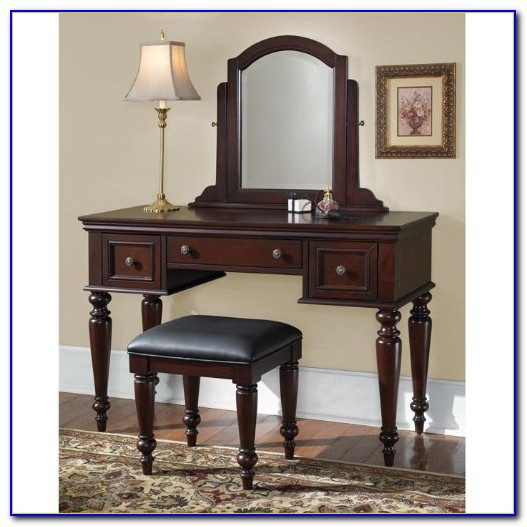 Powell Furniture Vanity With Mirror And Bench 502 290