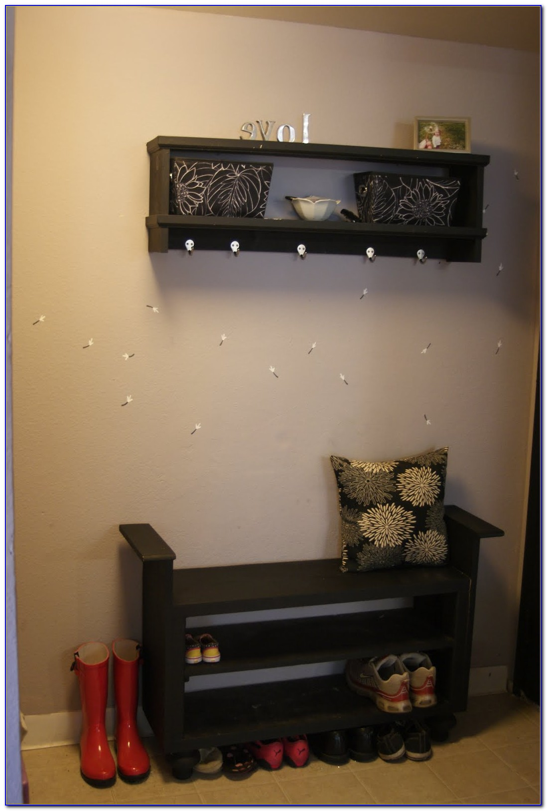 Shoe Storage Bench For Your Entryway