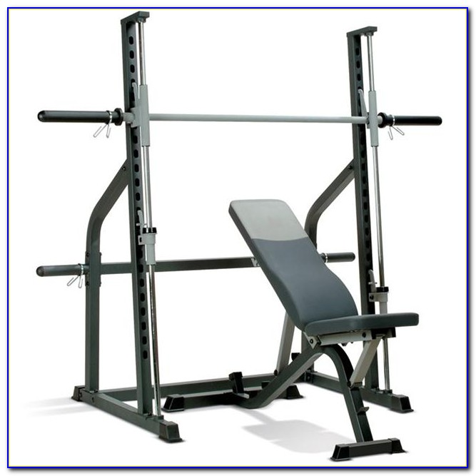 Free Weights Vs Machines: Smith Machine Vs Free Weight Bench Press