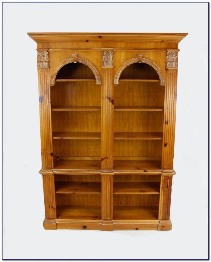 Pulaski Furniture Bookcase