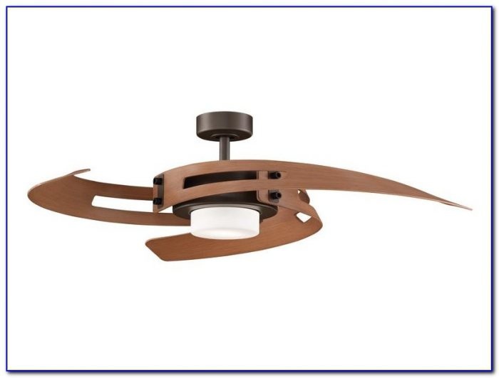 Wraptor Ceiling Fan With Retractable Blades & Light