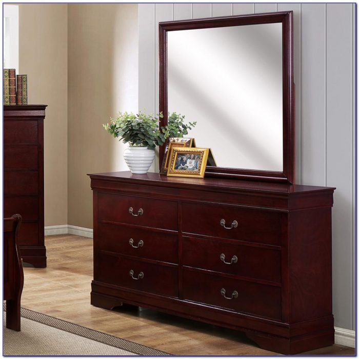 Antique Bedroom Dresser With Mirror