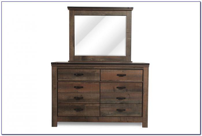 Childs White Dresser With Mirror