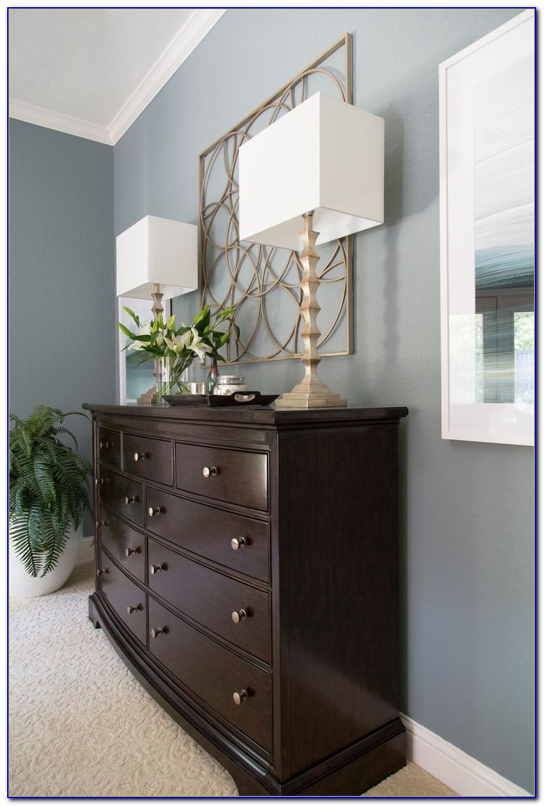 Decorating A Master Bedroom Dresser