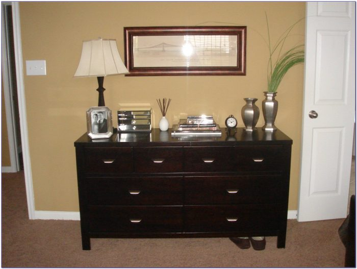 Decorating Bedroom Dresser Ideas