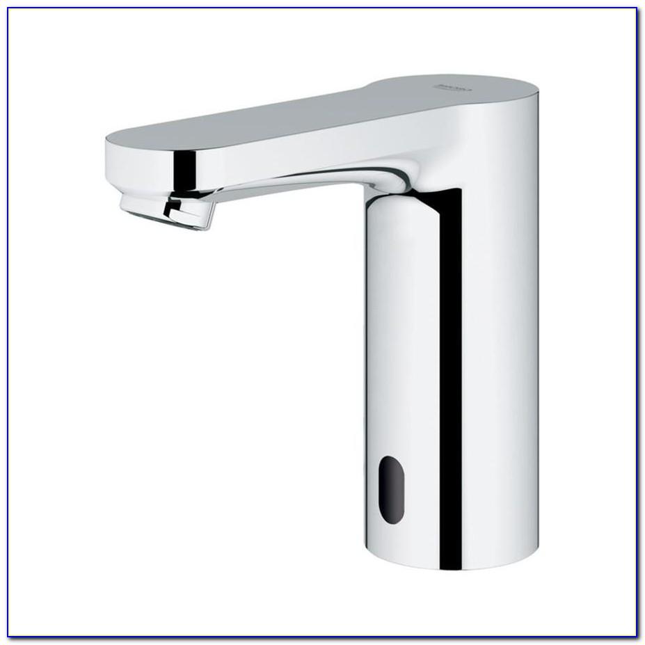 Delta Chrome Touchless Bathroom Sink Faucet