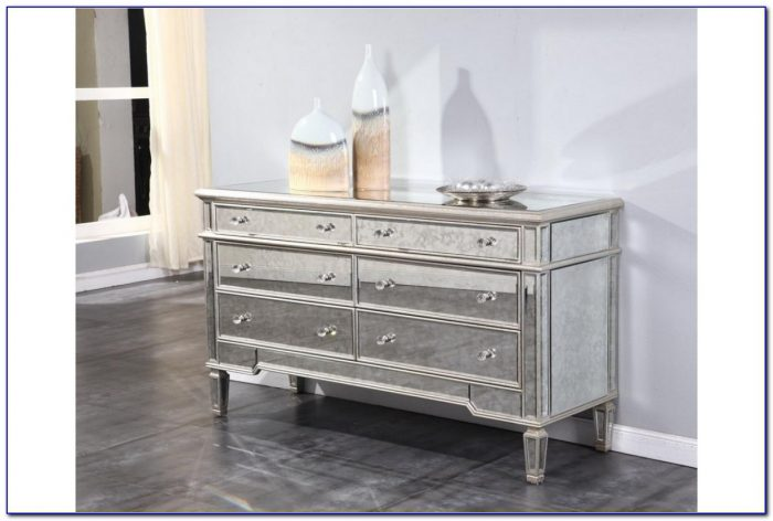 Dresser With Mirrored Drawers