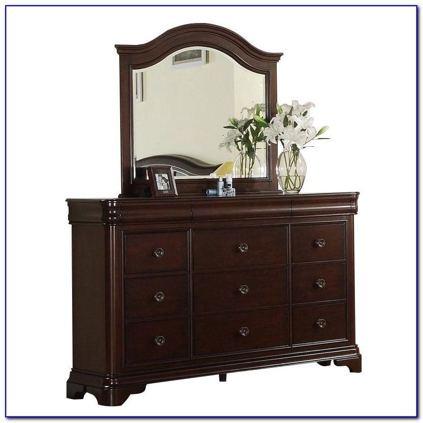 Ethan Allen Cherry Dresser With Mirror