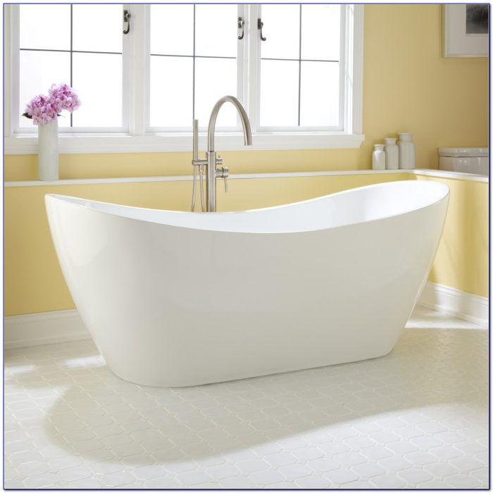 Freestanding Tub With Faucet Deck