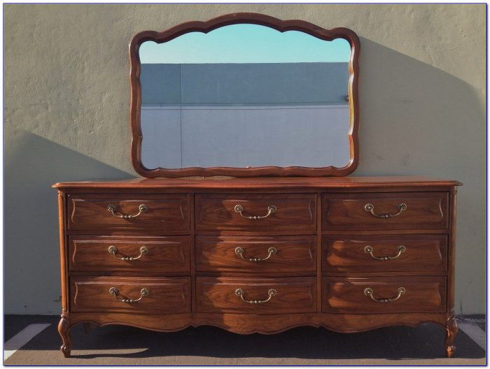 French Provincial Dressing Table With Mirror