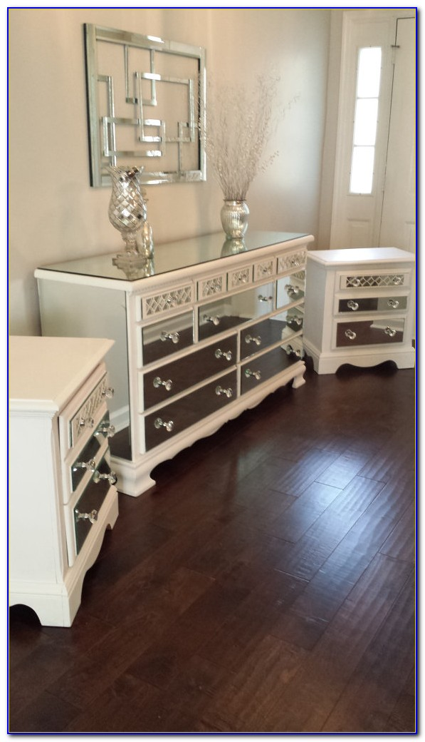 Mirrored Dresser And Nightstand Set
