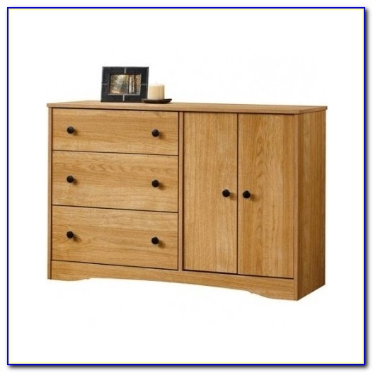 Oak Dressers And Chests