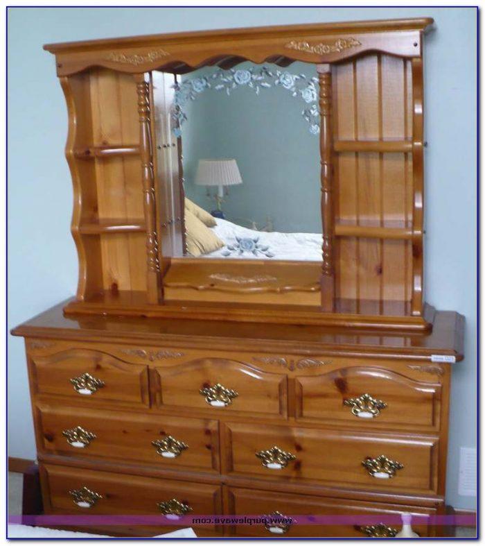 White Dresser With Hutch Mirror