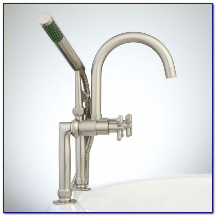 Deck Mounted Tub Faucet With Sprayer