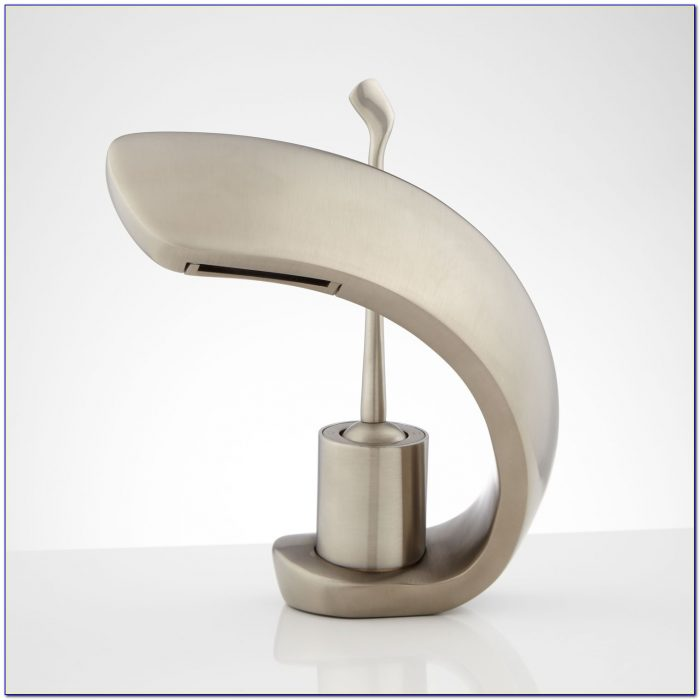 Single Hole Bathroom Sink Faucet Chrome