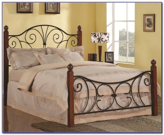 White Metal Headboard And Footboard Queen