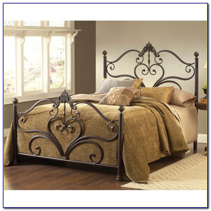 White Metal Queen Headboard And Footboard