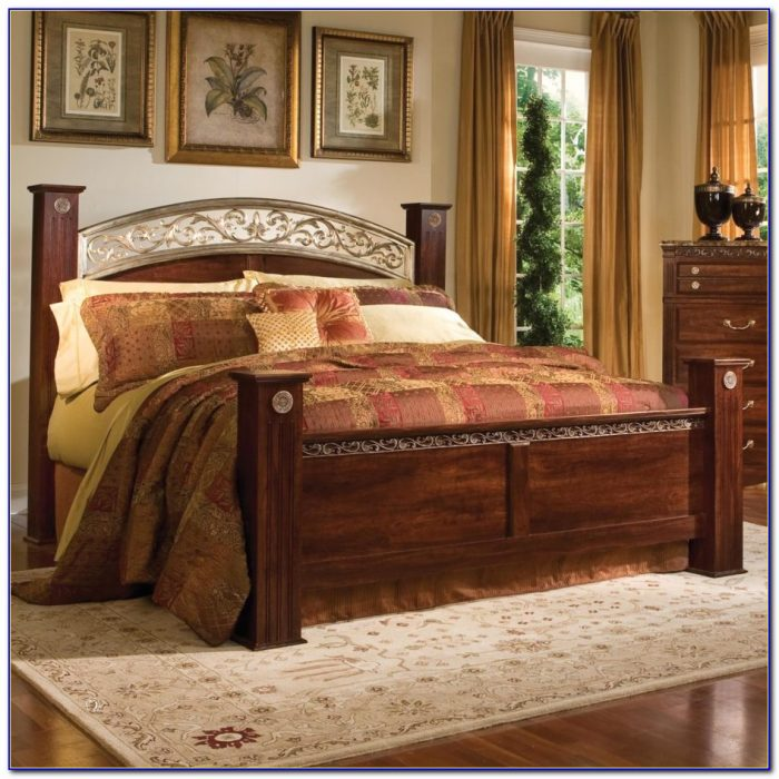 Wooden King Size Headboard And Footboard